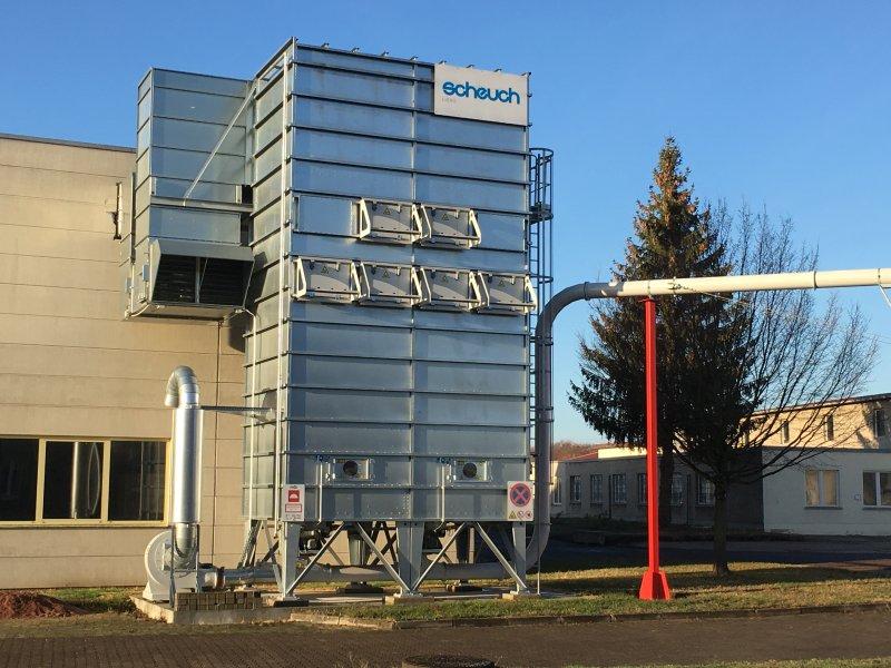 Der besonders effiziente Impulsfilter mit Druckluftabreinigung sorgt für höchstmögliche Energieeffizienz. Bild: Scheuch Ligno
