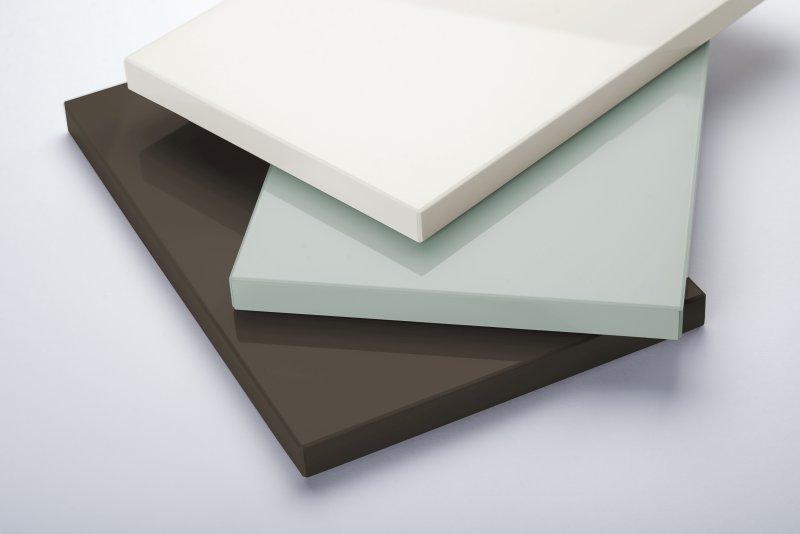 Platten und Folien der Reihe »Glass« bieten eine besonders intensive Tiefenwirkung. Bild: Senosan