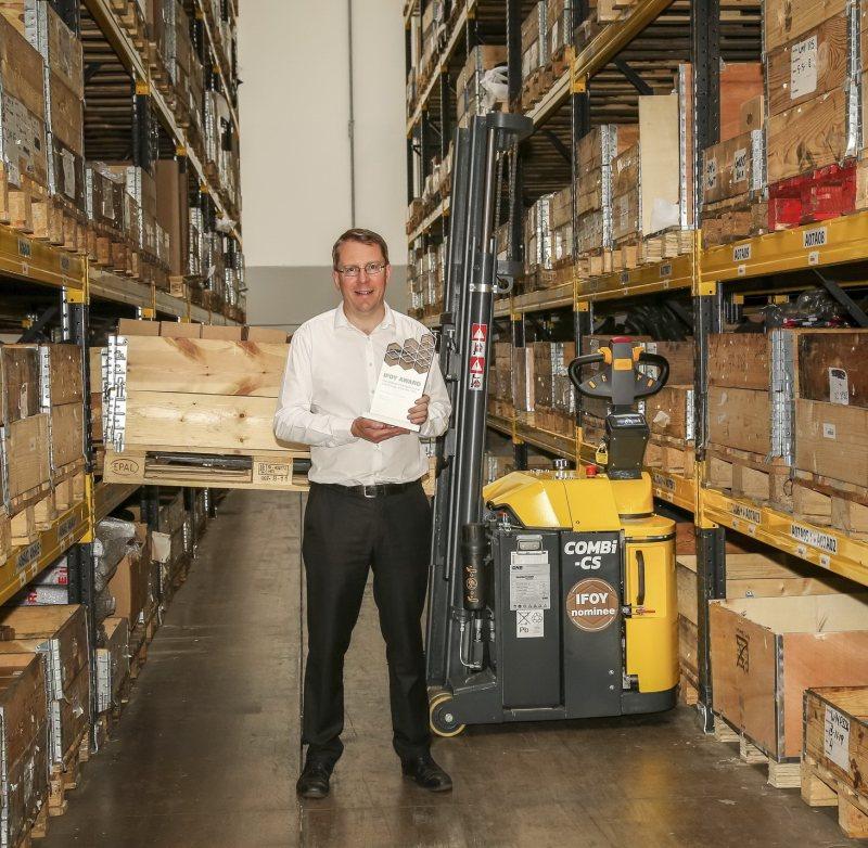 Martin McVicar, CEO und Mitbegründer von Combilift, freut sich über den Award-Gewinn (Bild: Combilift).