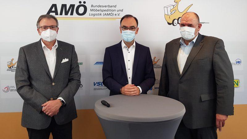 V.l.n.r.: Präsident Frank Schäfer, Hauptgeschäftsführer Dierk Hochgesang und Vizepräsident Stefan Klein (Bild: AMÖ