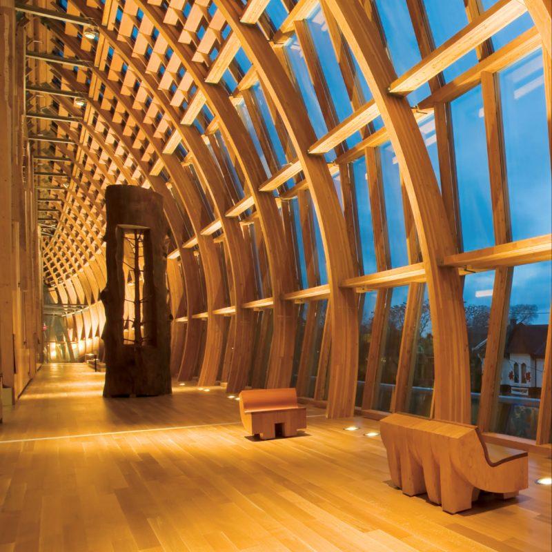 Holz ermöglicht hochwertige Gebäude mit gesumdem Wohnumfeld (Bild: Structurlam Mass Timber Corporation).